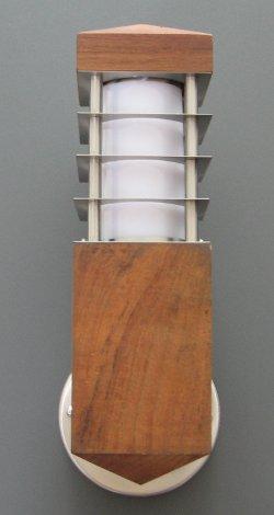 Eclairage exterieur lampe solaire luminaire exterieur for Luminaire exterieur bois